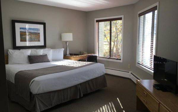 King Room Northstar Inn and Resort